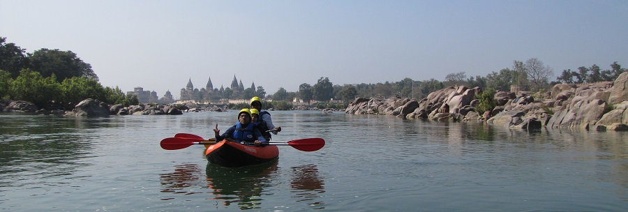 Rafting on Betwa River Orchha