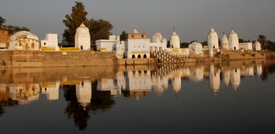 Bateshwar Temples overlooking Yamuna River